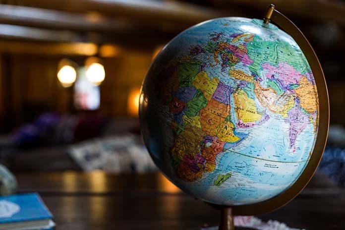 Chcesz spróbować swoich sił w handlu zagranicznym? Podpowiadamy, na co zwrócić uwagę!