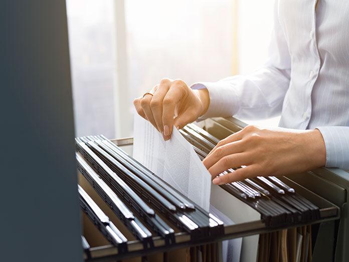Szafy metalowe na dokumenty – sprawdź czy ich potrzebujesz